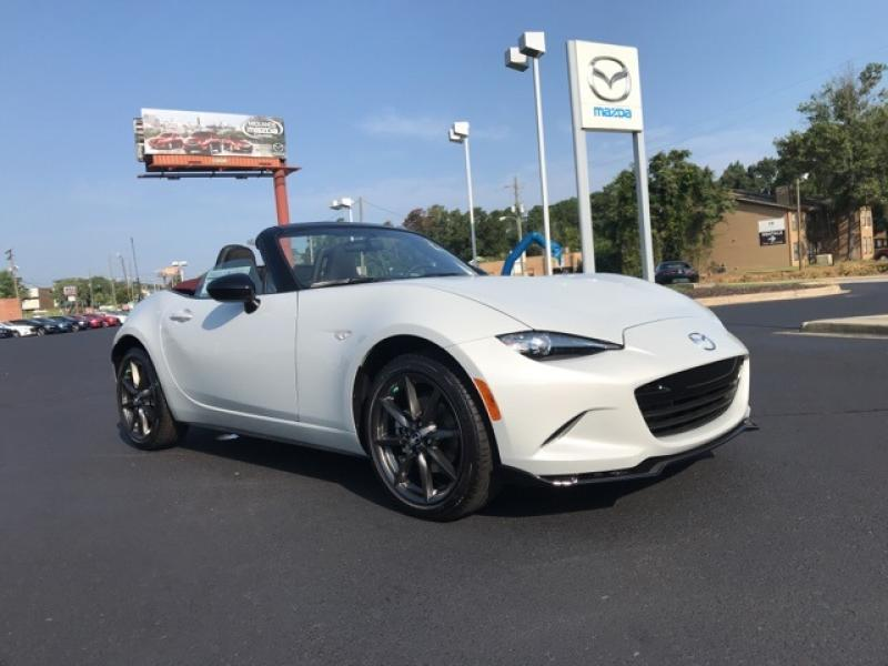 Pre-Owned 2018 Mazda MX-5 Miata Club
